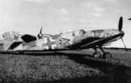 Asisbiz Messerschmitt Bf 109G10 Erla Stab II.JG53 Chevron black 2 WNr 611155 Germany 1945 02