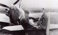 Asisbiz Messerschmitt Bf 109G2 2.JG53 Black 3 Stalingrad Russia 1942 02