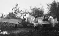Asisbiz Messerschmitt Bf 109G6Trop RA 3 Gruppo White 1 Stkz BM+SV WNr 160639 Comiso Oct 1944 01
