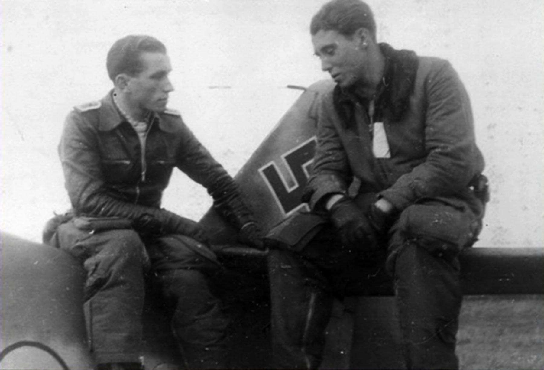 Aircrew Luftwaffe RVT pilot unknown unit along side his Bf 109G6R3 02