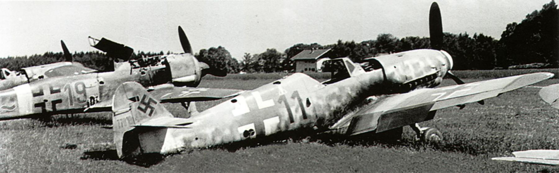 Messerschmitt Bf 109G10 Erla Reichsverteidigung Black 11 WNr 770184 abandoned Rrien Germany 1945 01