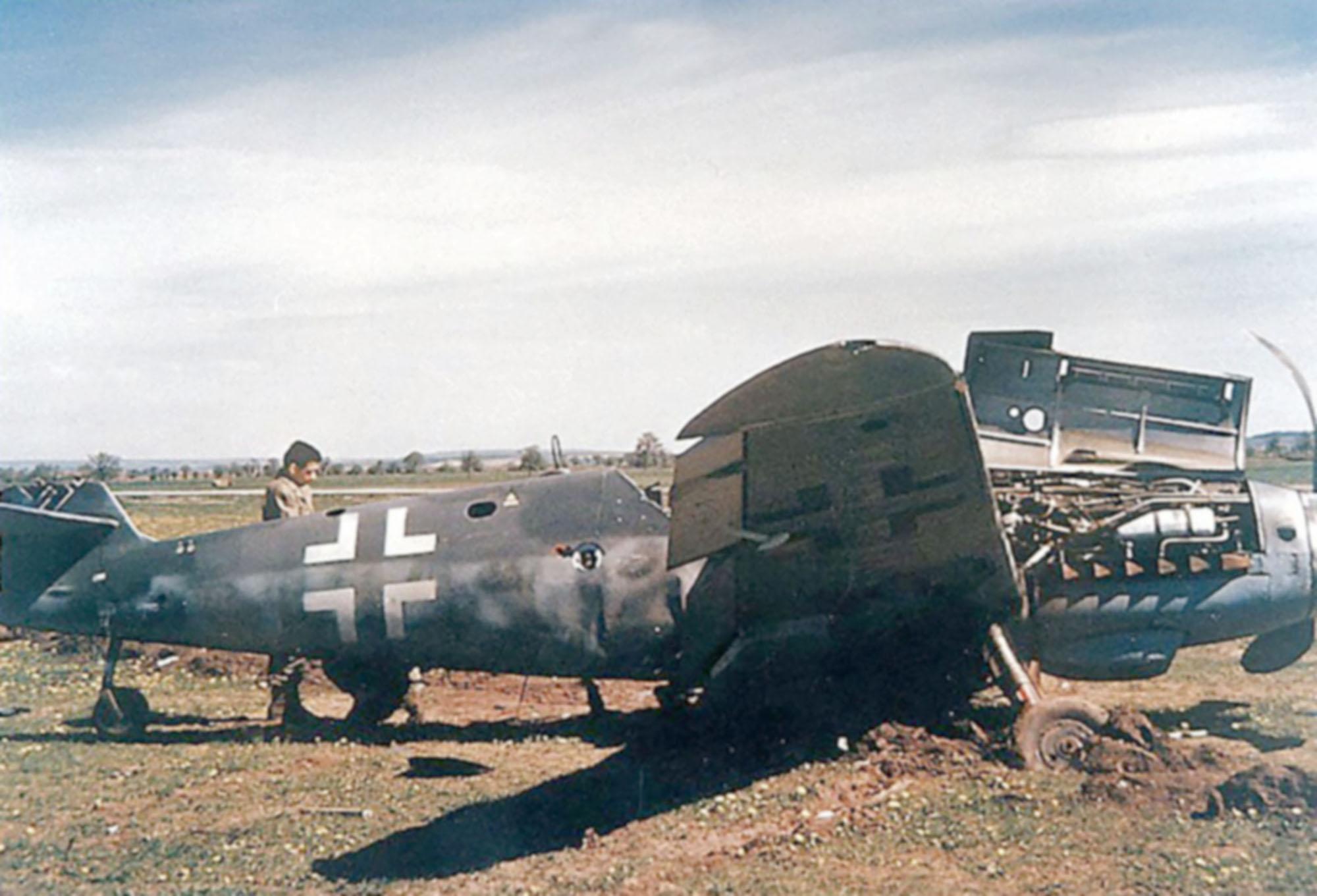 Messerschmitt Bf 109G10 Erla Reichsverteidigung unknown unit 1945 01