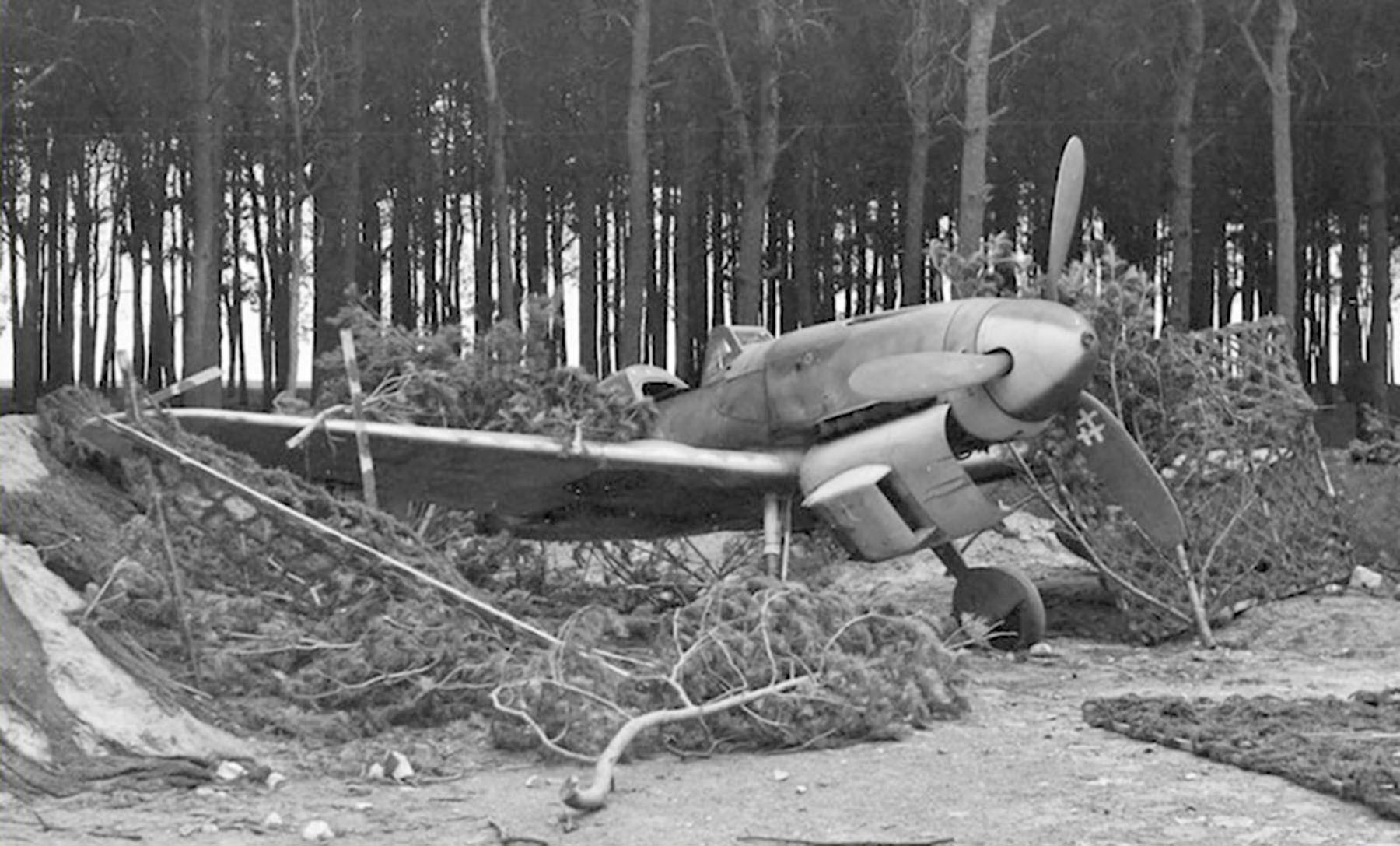 Messerschmitt Bf 109G10 Erla Reichsverteidigung unknown unit and pilot Stendal 1945 02