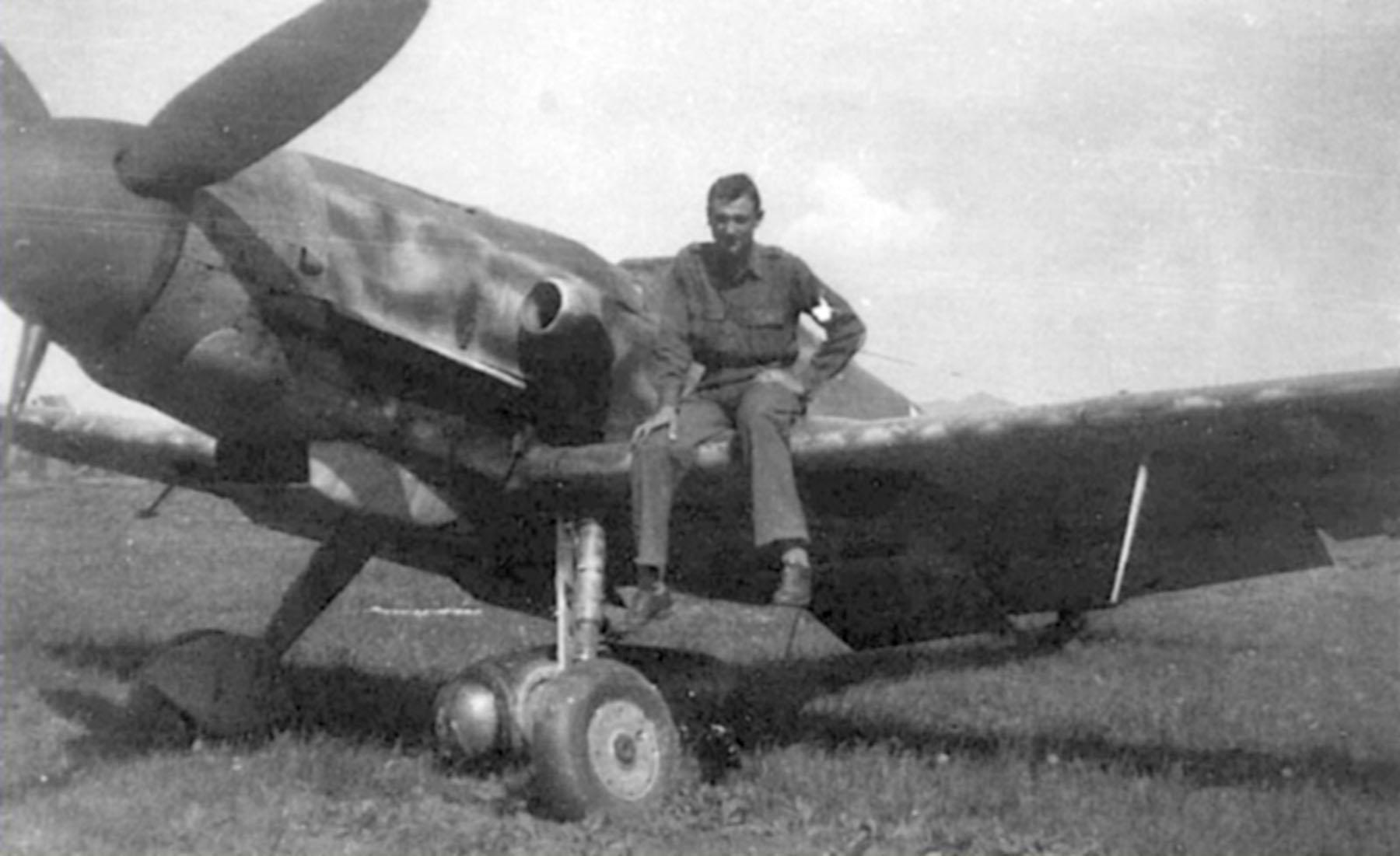 Messerschmitt Bf 109G10R3 Erla Reichsverteidigung unknown unit and pilot 01