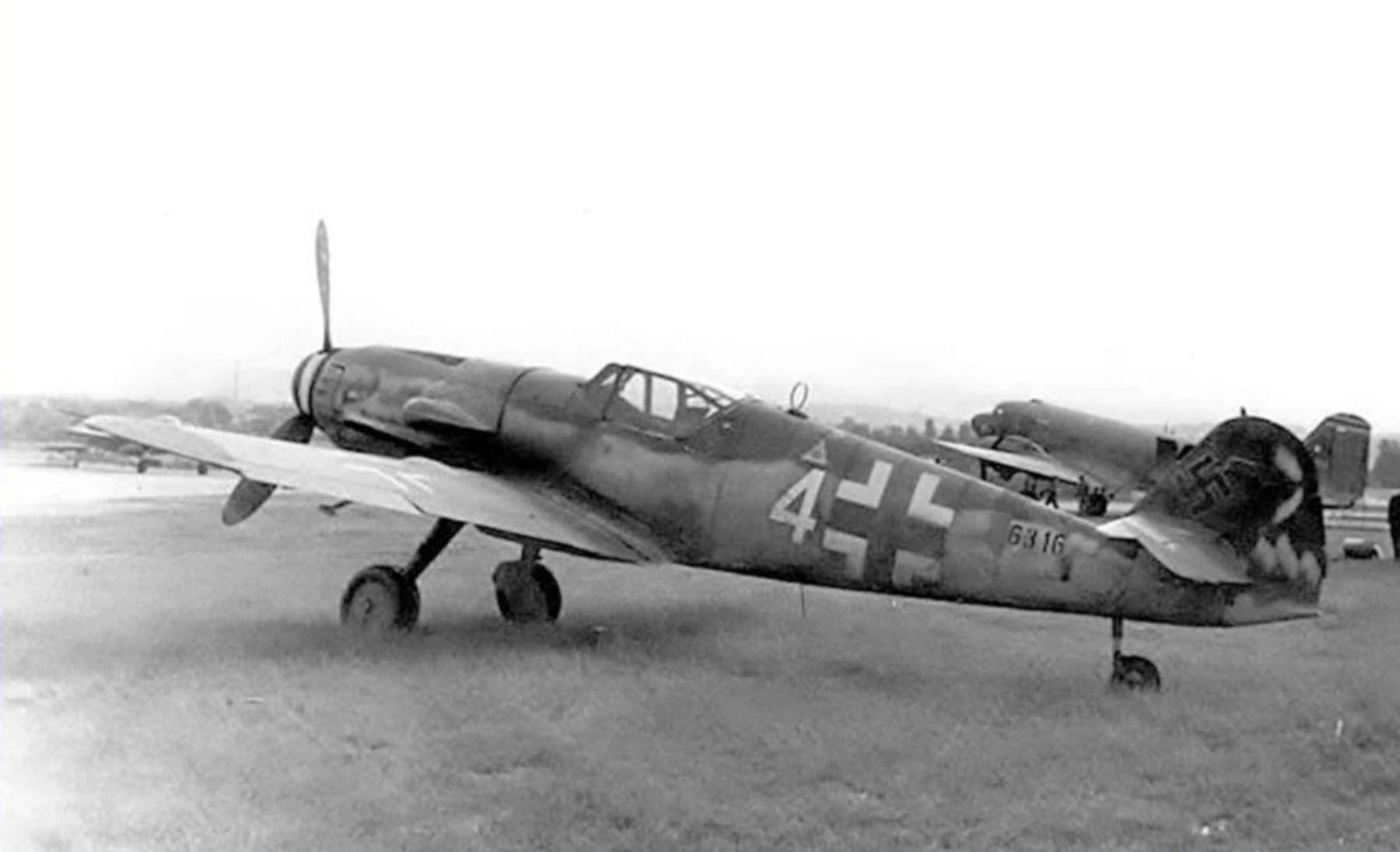 Messerschmitt Bf 109G14AS Erla Reichsverteidigung White 4 WNr 786316 unknown unit and pilot Feb 1945 03