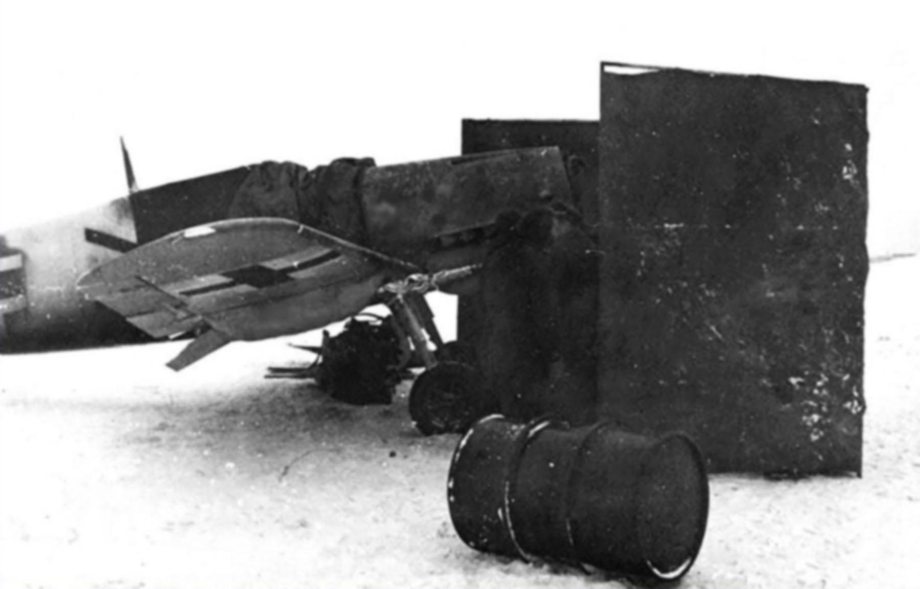 Messerschmitt Bf 109G4R6 Chevron unknown unit Russia 1942 43 01