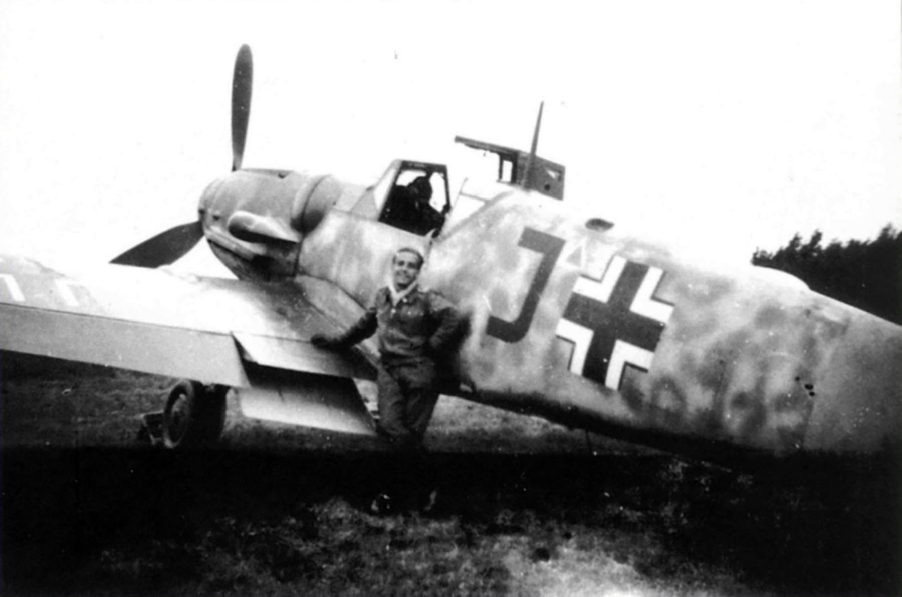 Messerschmitt Bf 109G5 Jagdgeschwader 25 Black J Ottfried Baisch 1943 01