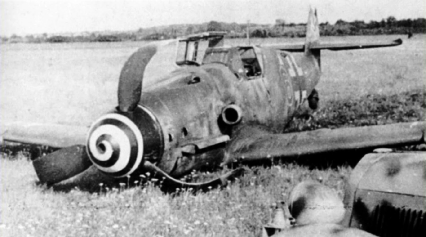 Messerschmitt Bf 109G6 10.JG76 Red 6 Heinrich Hartmann force landed Jul 1944 01