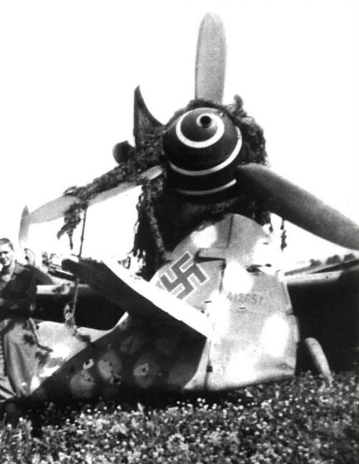 Messerschmitt Bf 109G6 Reichsverteidigung WNr 412651 unknown unit and pilot 1945 02