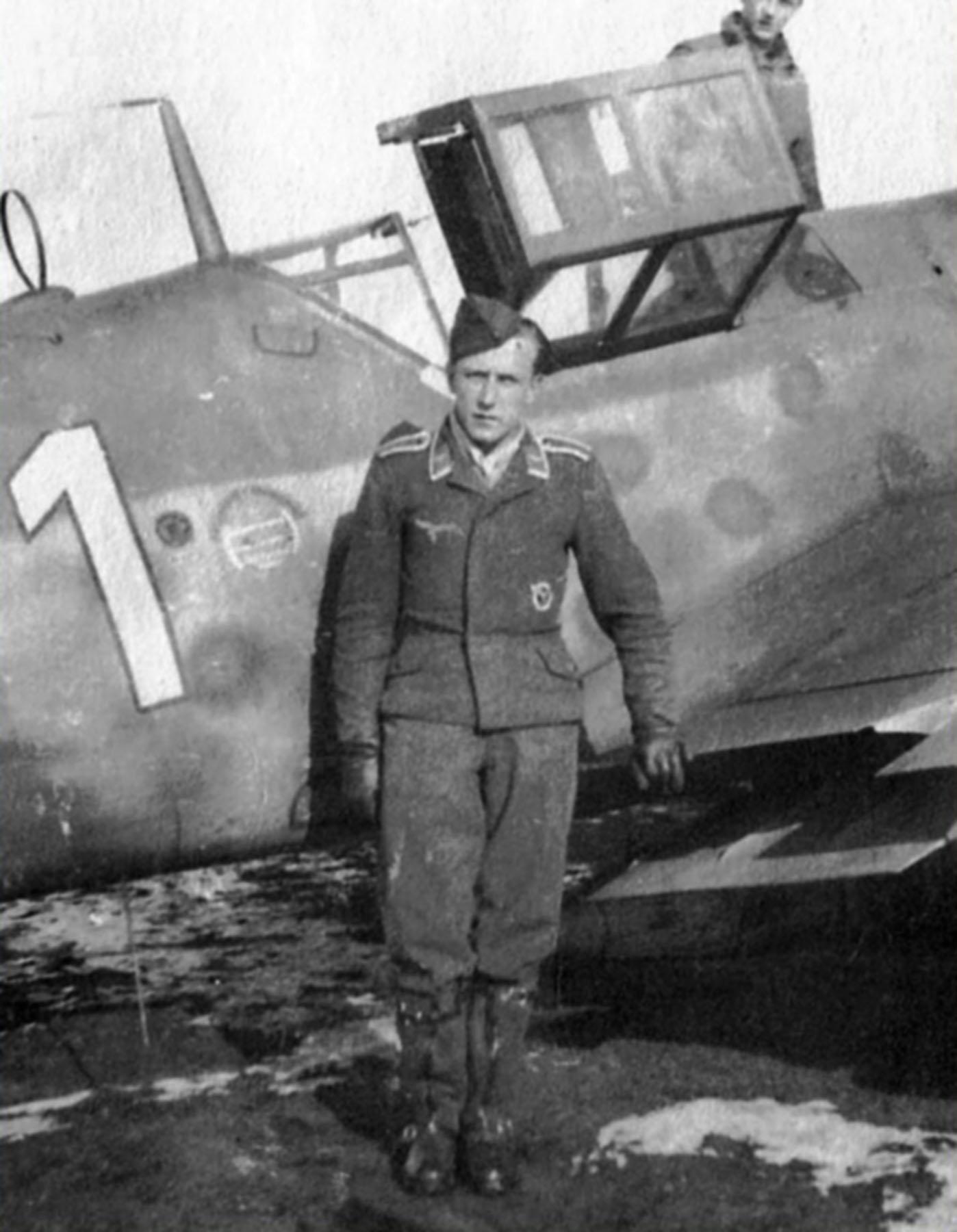 Messerschmitt Bf 109G6R3 Reichsverteidigung White 1 unknown unit and pilot 01