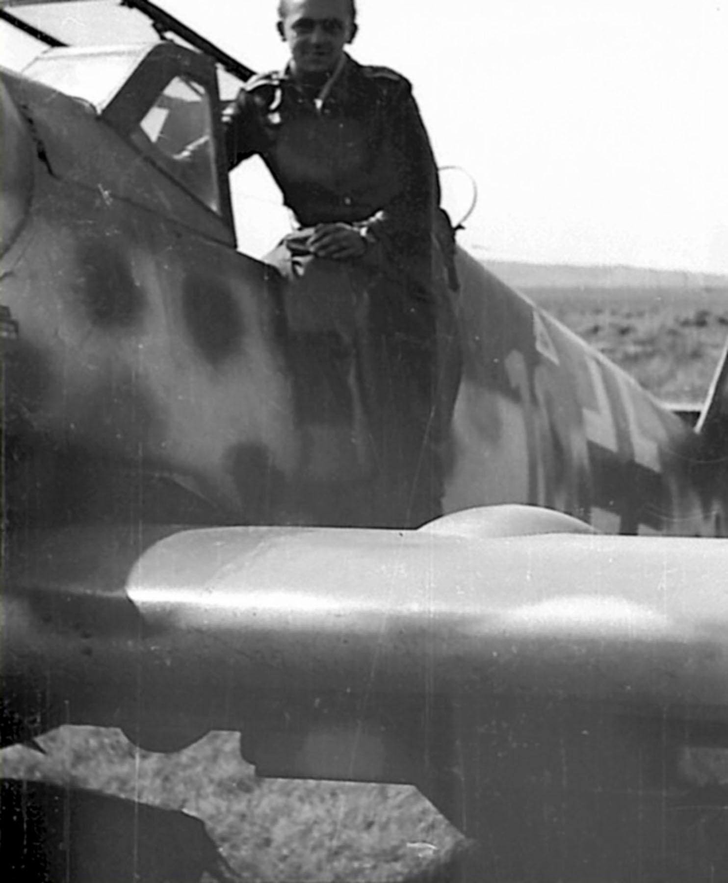 Messerschmitt Bf 109G6R3 Reichsverteidigung Yellow 10 unknown unit and pilot 01