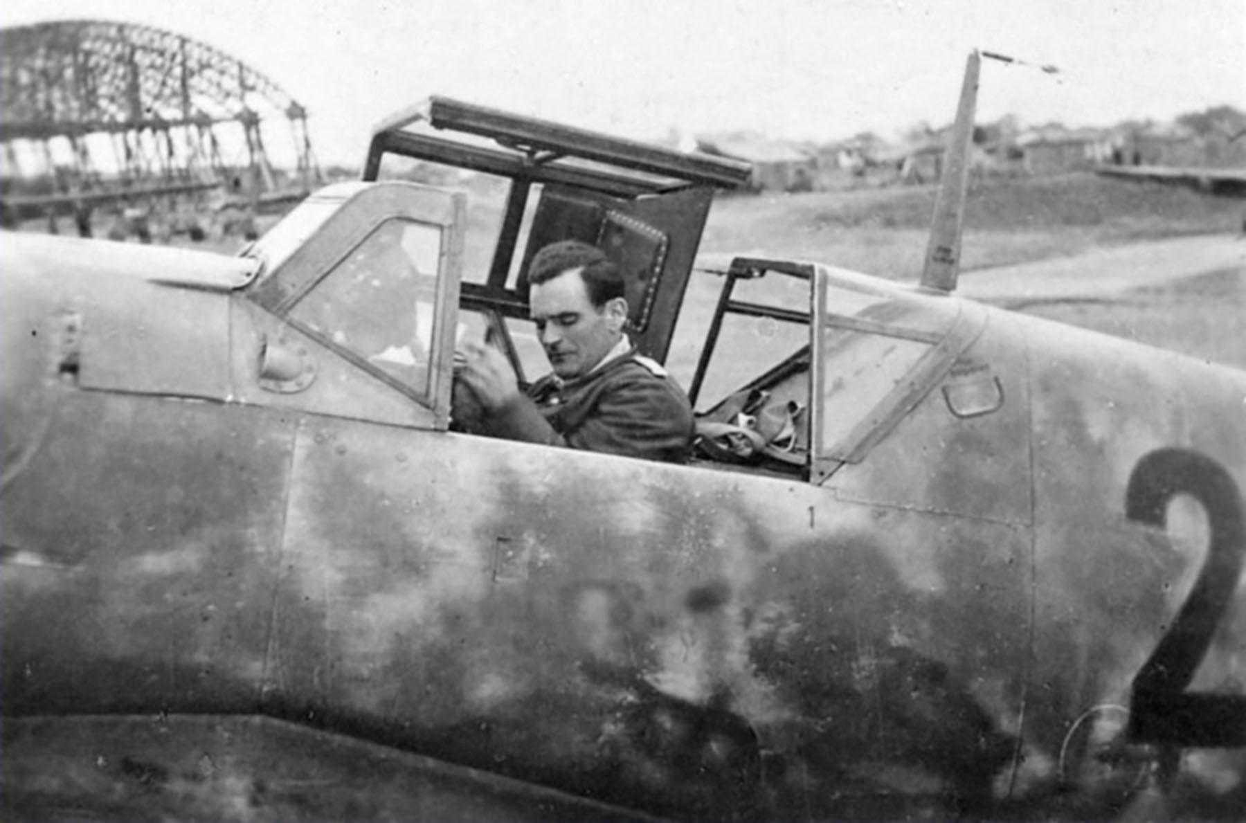 Messerschmitt Bf 109G6R6 Reichsverteidigung Black 2 unknown unit and pilot 02