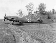 Asisbiz Messerschmitt Bf 109G10 Erla Reichsverteidigung abandoned Erla Leipzig unknown unit and pilot April 1945 01