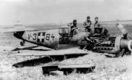 Asisbiz Messerschmitt Bf 109G2 RHAF 101 V3+84 belly landed Hungary 1943 01