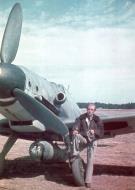 Asisbiz Messerschmitt Bf 109G6R3 RHAF Szazadparancsnok 5.2 unknown pilot Hungary 1944 06