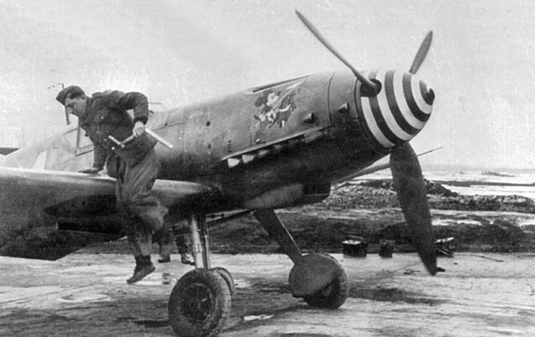 Messerschmitt Bf 109G2 RRAF 7FG White 1 Rumanian AF Dnepropetrovsk Southern Russia April 1943 02