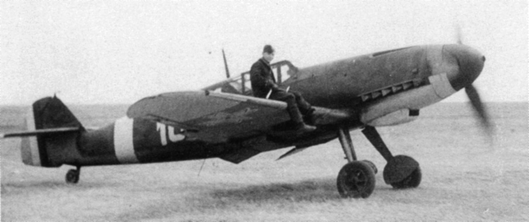 Messerschmitt Bf 109G2 RRAF 7FG White 10 guarding Ploiesti Oil installations summer 1943 01
