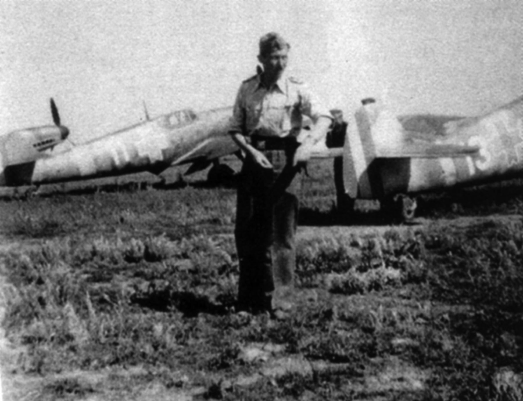 Messerschmitt Bf 109G2 RRAF 7FG White 11 Rumanian AF Dnepropetrovsk Southern Russia April 1943 01