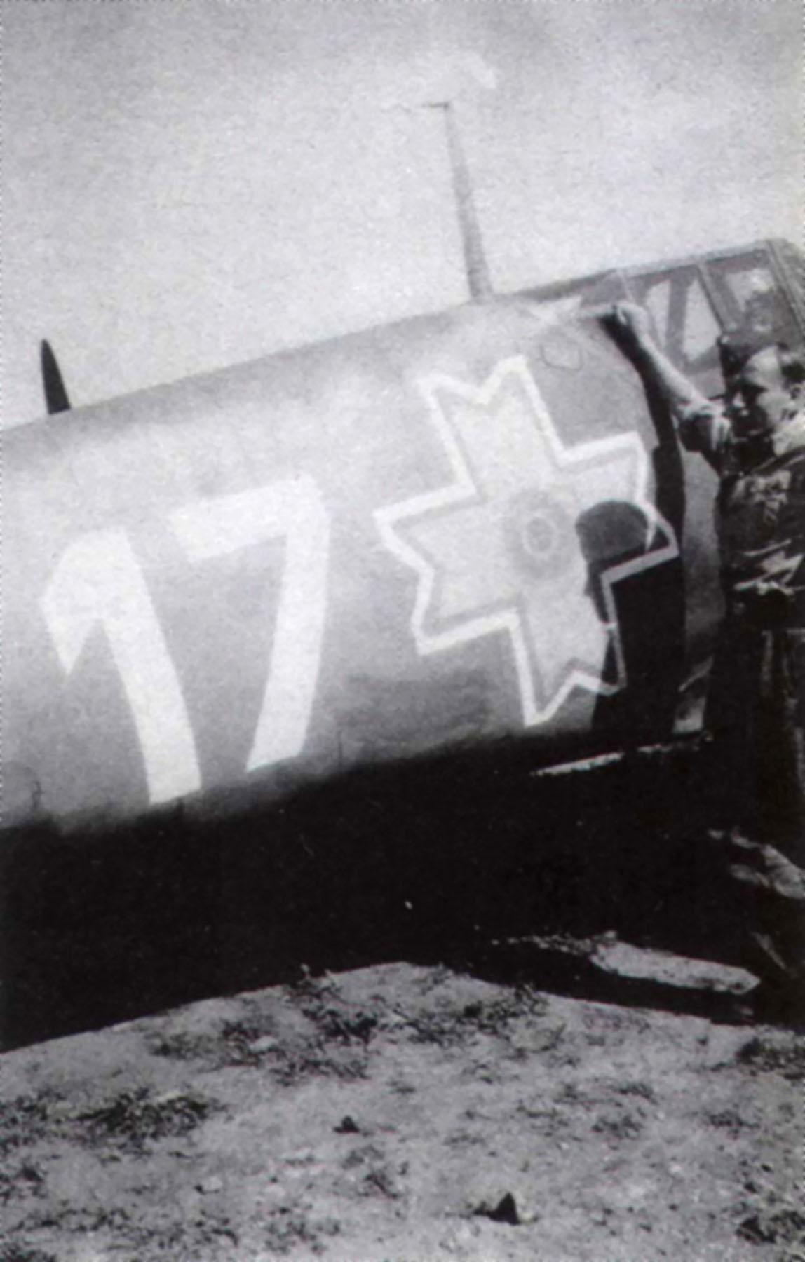 Messerschmitt Bf 109G2 RRAF 7FG White 17 Rumanian AF Dnepropetrovsk Southern Russia April 1943 01