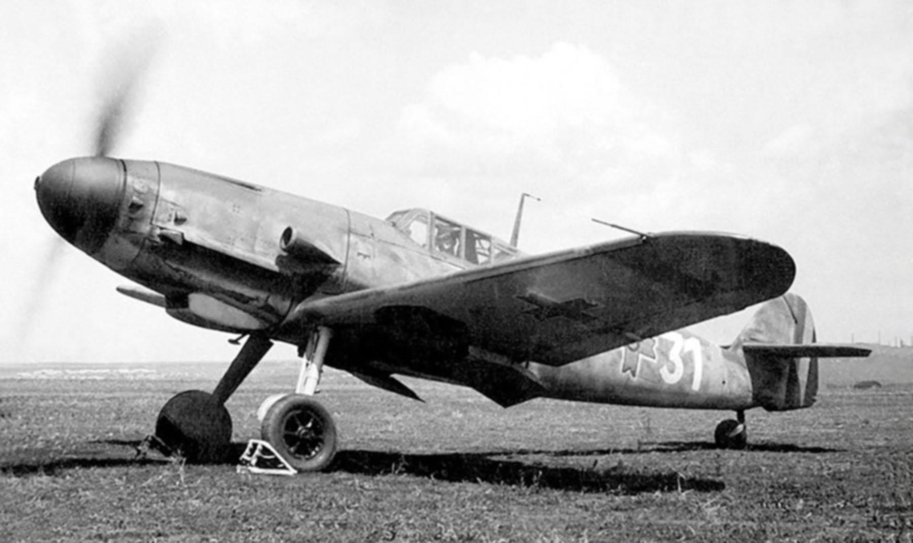 Messerschmitt Bf 109G2 RRAF 7FG White 31 Rumanian AF Dnepropetrovsk Southern Russia April 1943 0