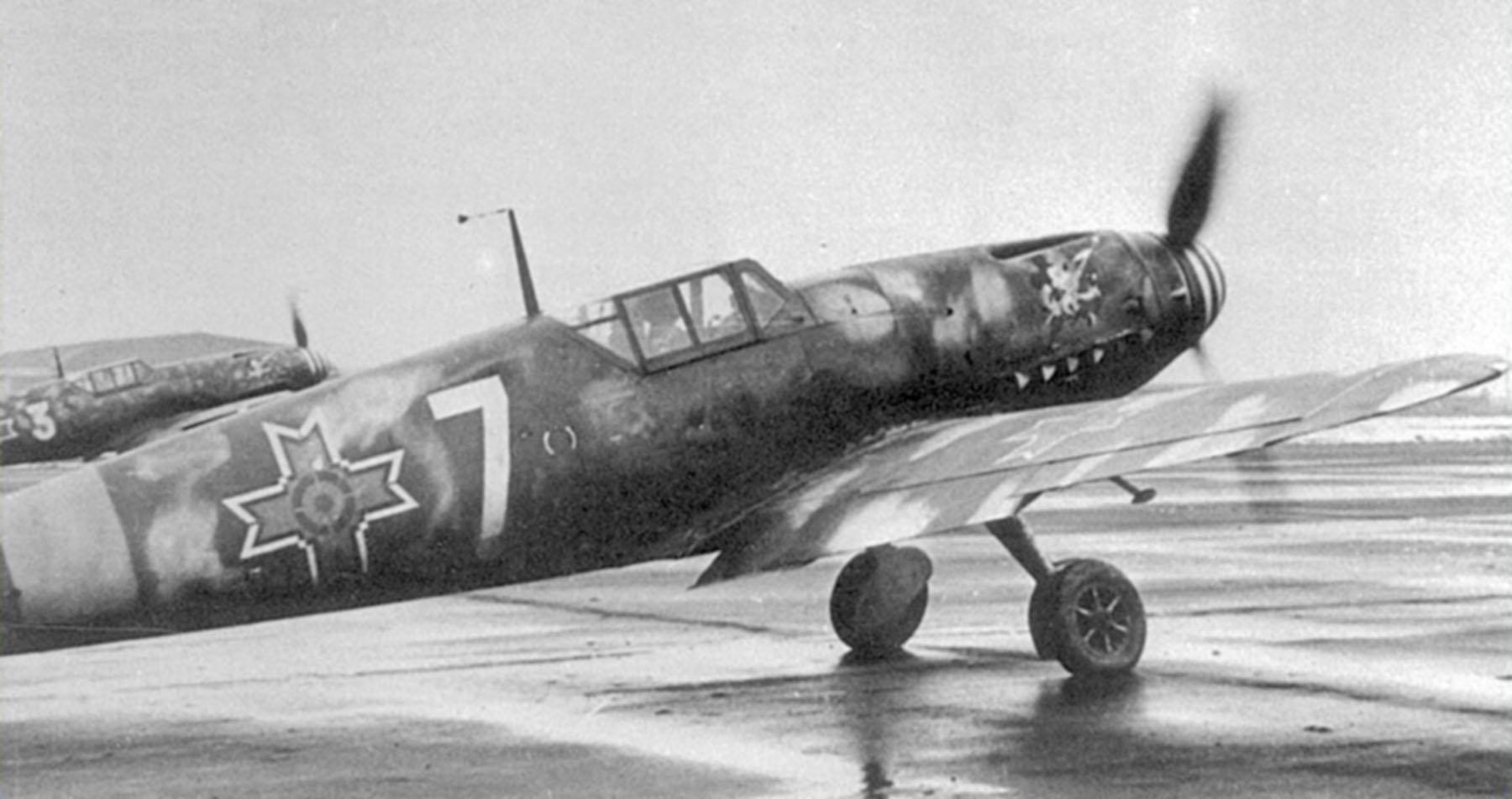 Messerschmitt Bf 109G2 RRAF 7FG White 7 Rumanian AF Dnepropetrovsk Southern Russia April 1943 04