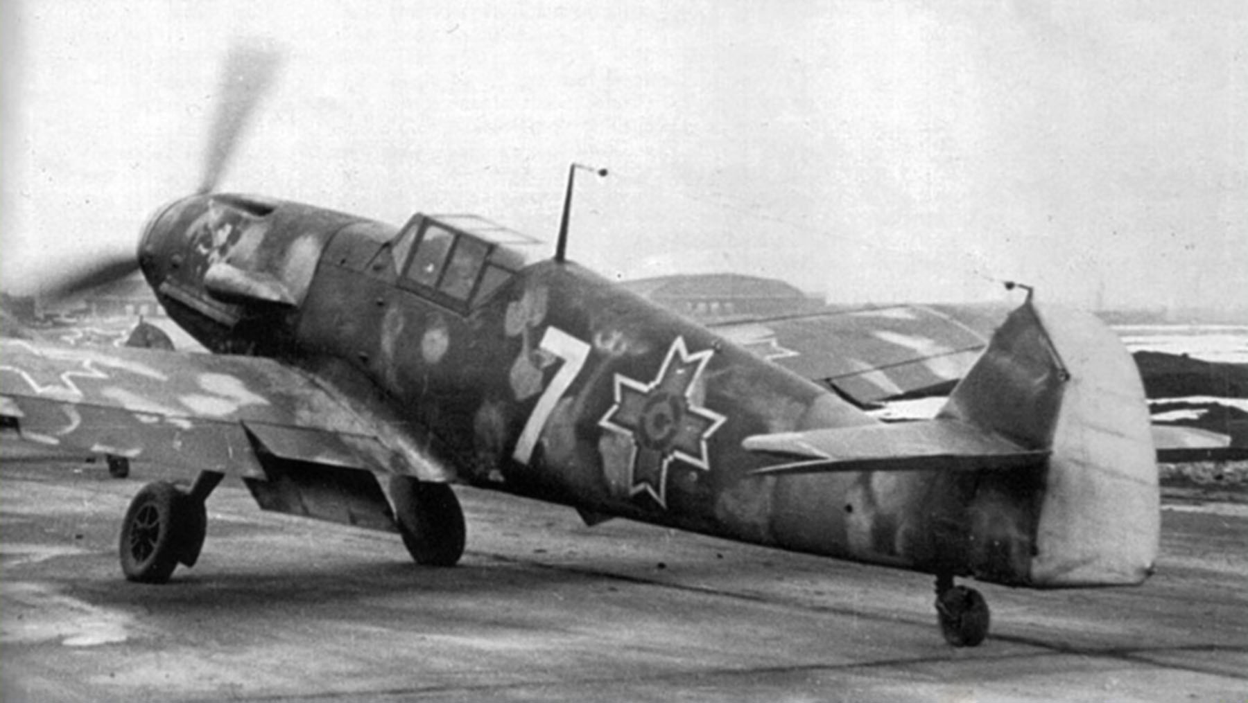Messerschmitt Bf 109G2 RRAF 7FG White 7 Rumanian AF Dnepropetrovsk Southern Russia April 1943 05