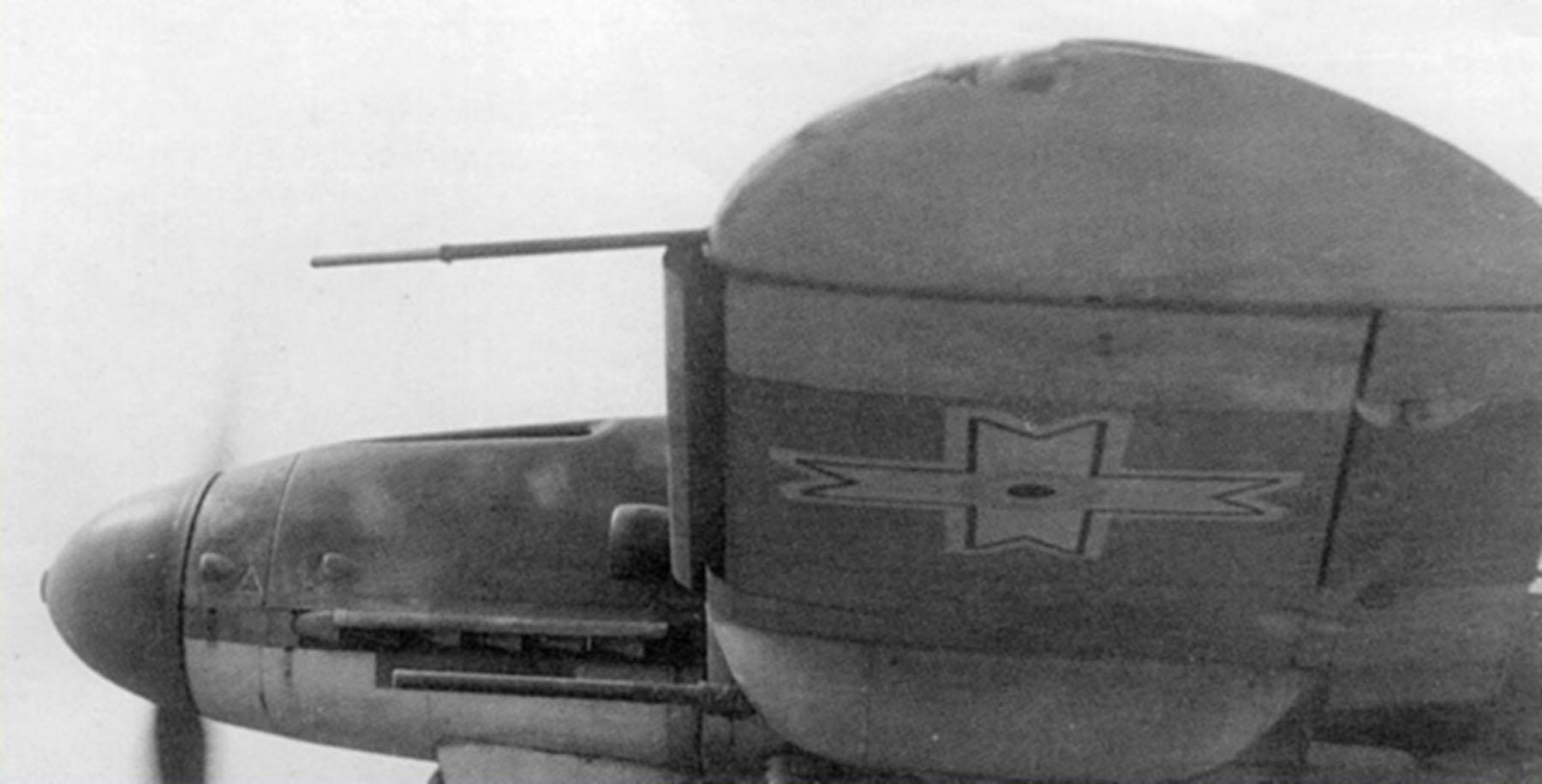 Messerschmitt Bf 109G2R6 RRAF 7FG Rumanian AF with 2 MG 151 20mm cannon Southern Russia 1943 03