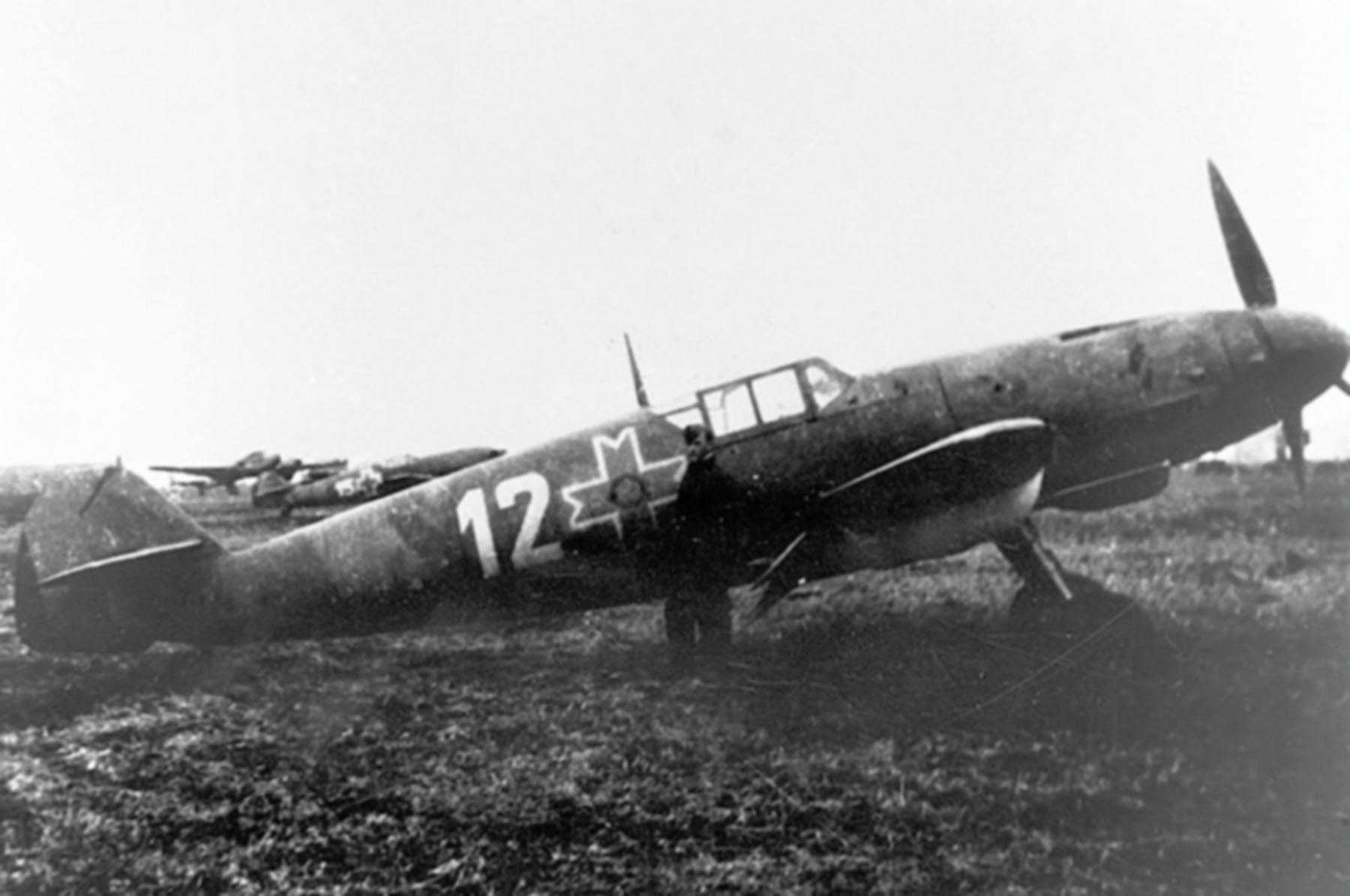 Messerschmitt Bf 109G2R6 RRAF White 12 Esc 53 Gr7 Lt Maga airfield spring 1944 01