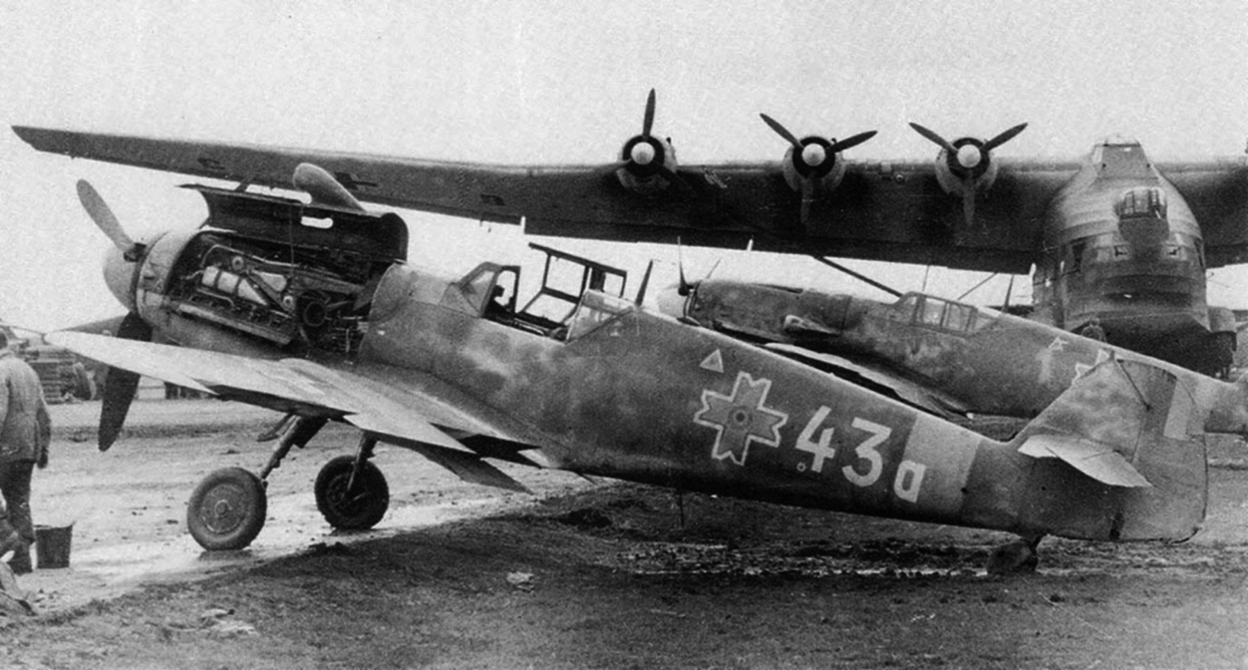 Messerschmitt Bf 109G6 RRAF 7FG Yellow 1 foreground Rumania 1944 01