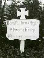 Asisbiz Aircrew Luftwaffe pilot Wilhelm Johnen Bordfunker Paul Mahle grave 01