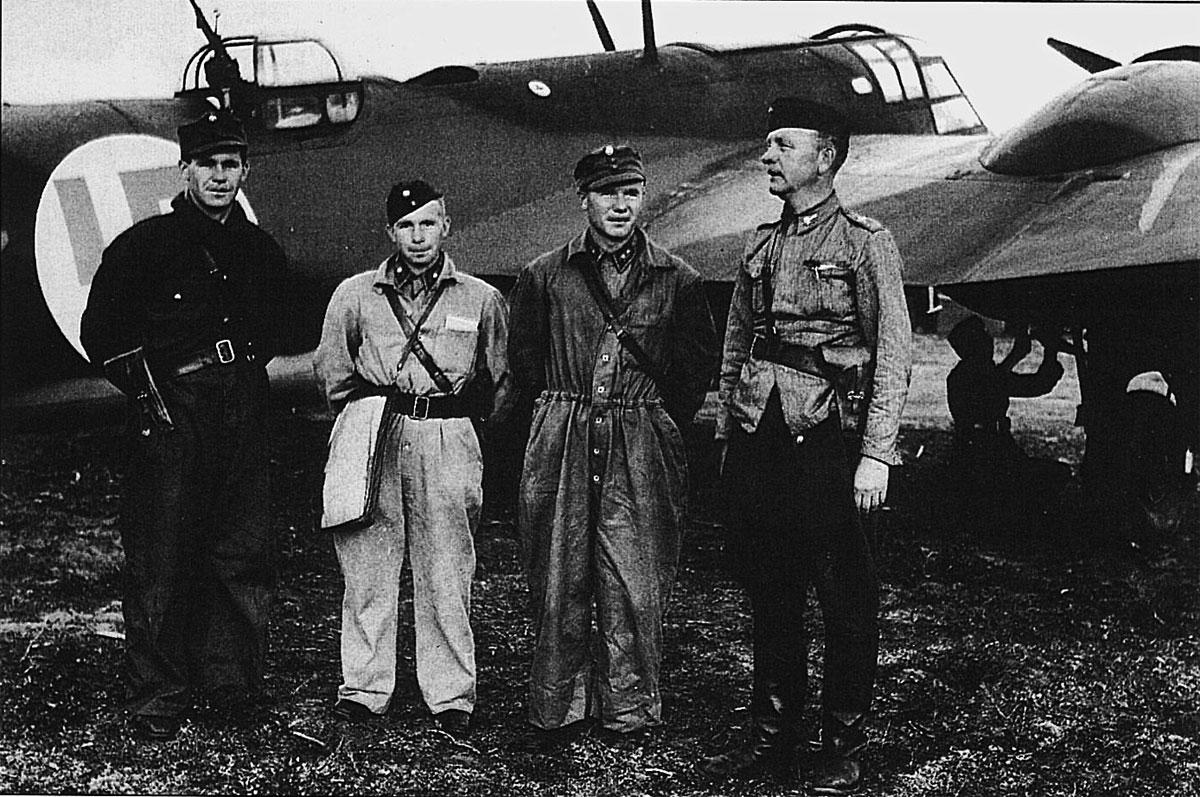BL137 aircrew Oiva Hyttinen Martti Keinanen Niilo Hakala and War Correspondant Hugo Valpas