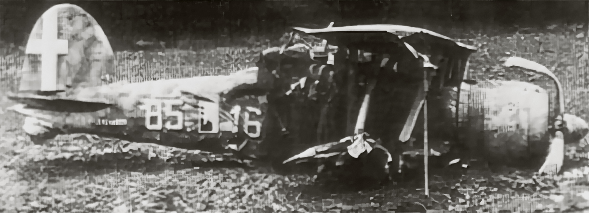 Fiat CR 42 Falco 18.JG56 56S18G85aSA 85 16 Antonio Lazzari landed 1940 01