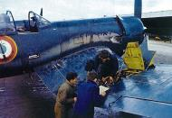 Asisbiz Vought F4U 7 Corsair French Navy Flottille 15S being rearmed BAN Alger Maison Blanche 1955 01