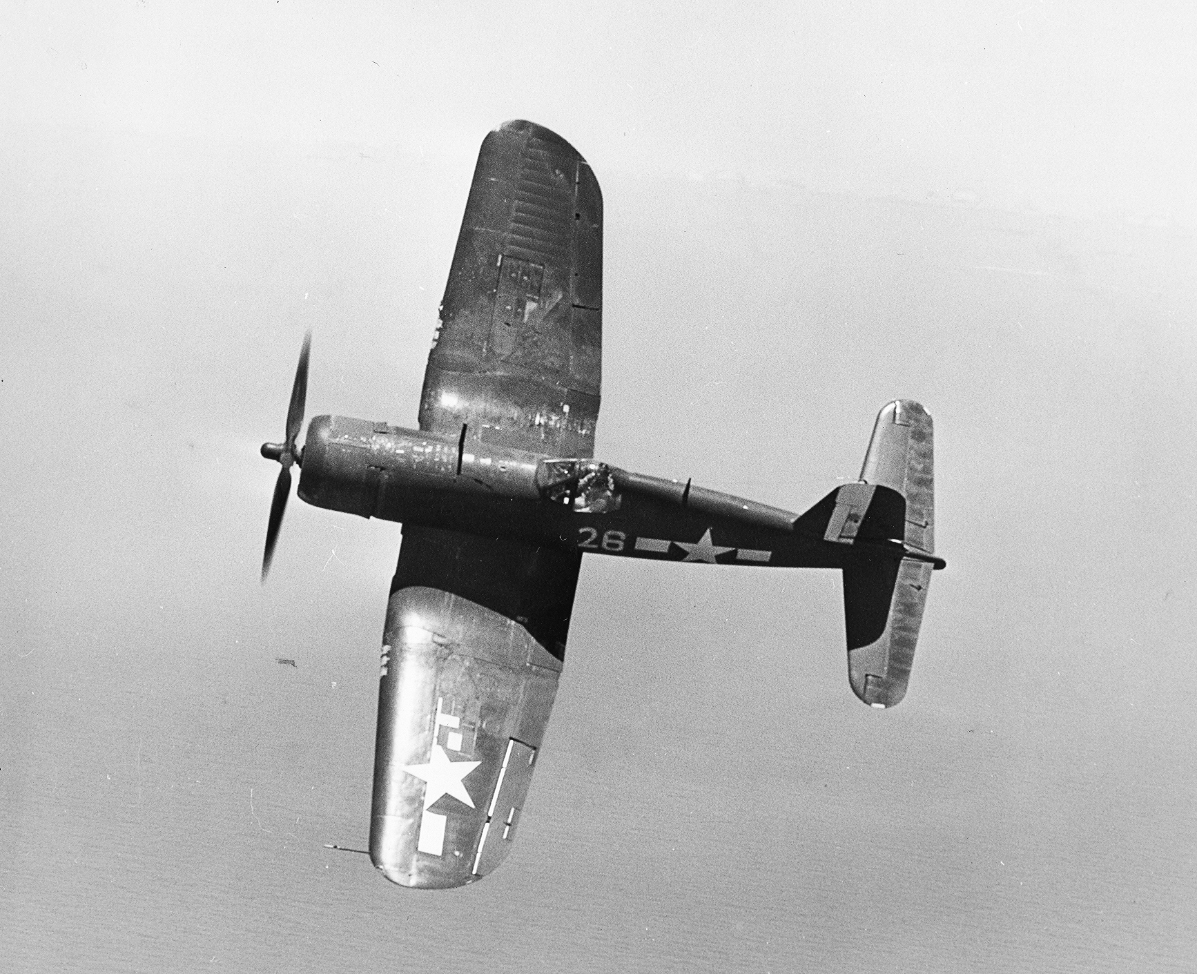 Vought-F4U-1D-Corsair-VBF-10-White-26-CV