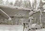 Asisbiz Dornier Do 17Z Lentolaivue 46 DNxx pre flight at Tiiksjarvi Finland 31st Jul 1942 102703
