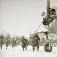 Asisbiz Aircrew Finnish pilots head towards their assigned aircraft 17th Mar 1942 77395