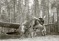 Asisbiz Brewster Buffalo MkI FAF 2.LeLv24 BW352 at Selanpaa Airport Finland 24th Jun 1941 20752