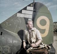 Asisbiz Brewster Buffalo MkI FAF 2.LeLv24 BW393 Hans Wind with 33 kills at Lake Suulajarvi 16th Aug 1943 01
