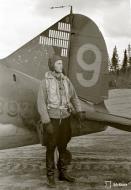 Asisbiz Brewster Buffalo MkI FAF 2.Lelv24 BW393 Hans Wind with 33 kills at Lake Suulajarvi 19th Sep 1943 07