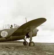 Asisbiz Brewster Buffalo MkI FAF 4.LeLv24 BW362 BW373 at Nurmoila 18th Sep 1941 51004