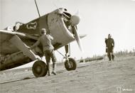 Asisbiz Brewster Buffalo MkI FAF LeLv24 BW364 at Hirvas 27th Jun 1943 05