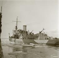 Asisbiz Finnish Navy gunboat Uusimaa in the waters of Ryssankari 11th May 1942 85396
