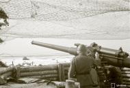 Asisbiz Finnish RTR2 Coastal Artillery Regiment 2 deployed 75.2mm guns on the shores of Kellomaki Ino 11th May 1942 88663