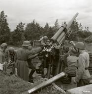 Asisbiz Finnish air defense 88cm heavy flak battery stationed at Vyborg 18th Jun 1944 153455
