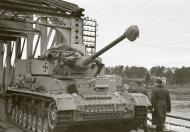 Asisbiz Finnish army Panzer IV tank unit 8.Kev.It.Ptrin bridge station in Oulu 12th Nov 1944 167598