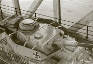 Asisbiz Finnish army Panzer IV tank unit 8.Kev.It.Ptrin bridge station in Oulu 12th Nov 1944 167600