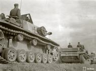 Asisbiz Finnish army parade their newly acquired Sturmgeschutz III at Enso 4th Jun 1941 151601
