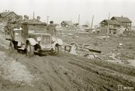 Asisbiz Finnish army truck having to deal with the winter thaw and muddy conditions Tokari 20th Apr 1942 83110