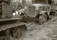 Asisbiz Finnish army vehicles having to deal with the winter thaw and muddy conditions Aunus Levina 17th Apr 1942 85067