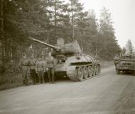 Asisbiz Finnish army with their restored Soviet T34 tank around Salo Issakkala 25th Aug 1944 152241